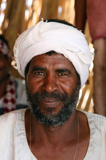 Freundlicher Ägyptischer Fischer mit Vollbart