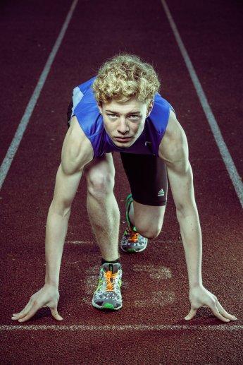 Sportlerfoto eines Läufers beim Start