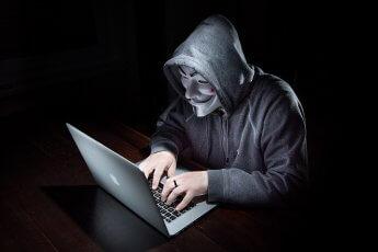 Fotografische Inszenierung eines Hackers