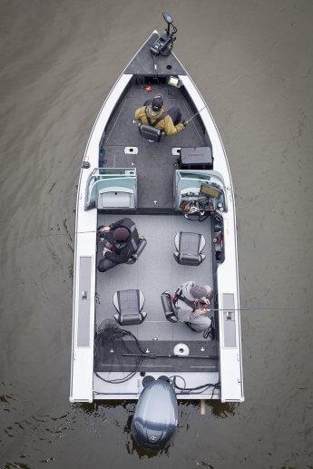 Drohnenfoto: Innenraum des Angelbootes Black Pearl