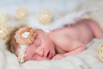 Süßes Babyfoto – so wird aus dem Baby ein Prinzesschen