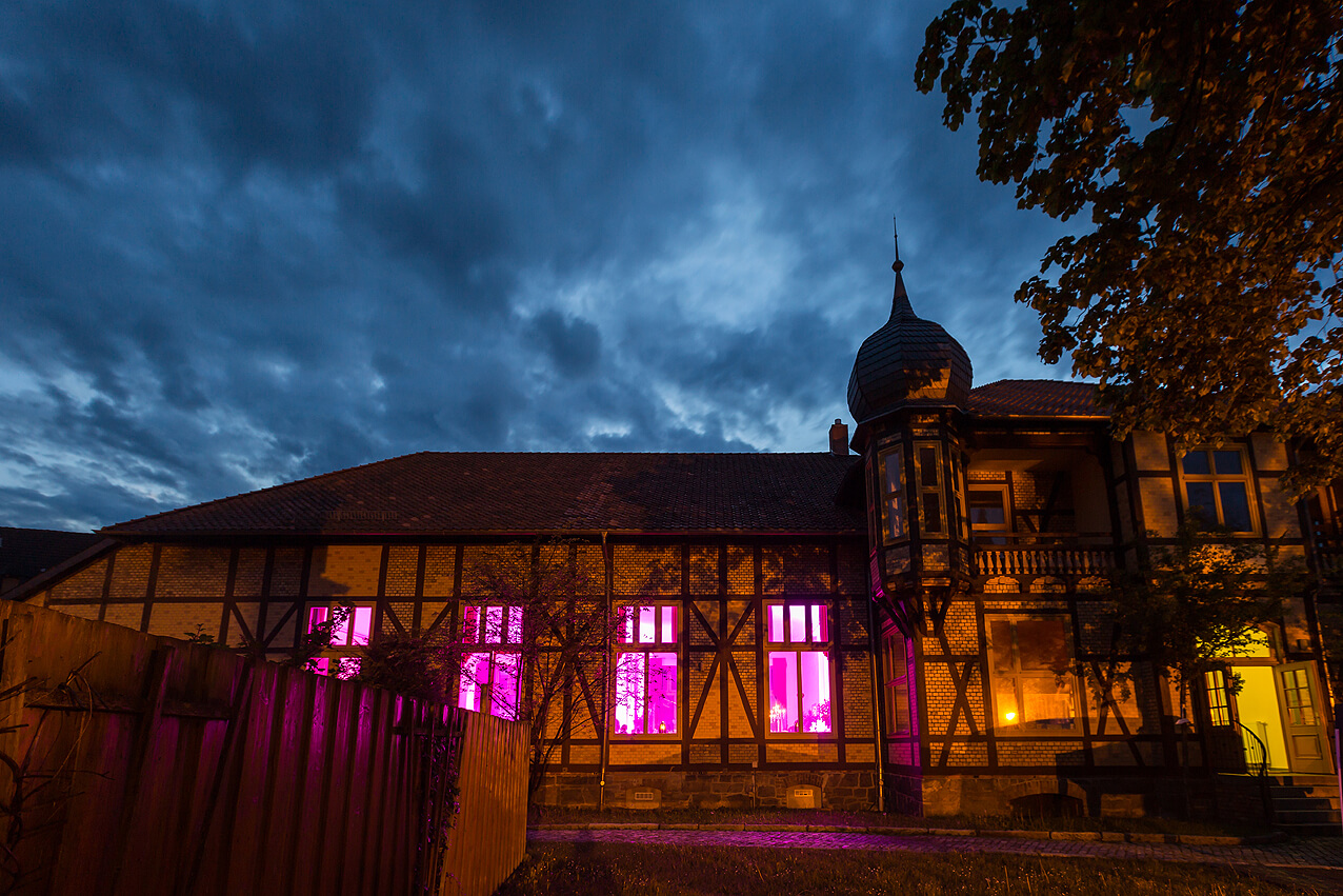Die Hochzeitslocation im Nachtlicht