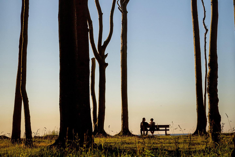 Paarfotos im Sonnenuntergang