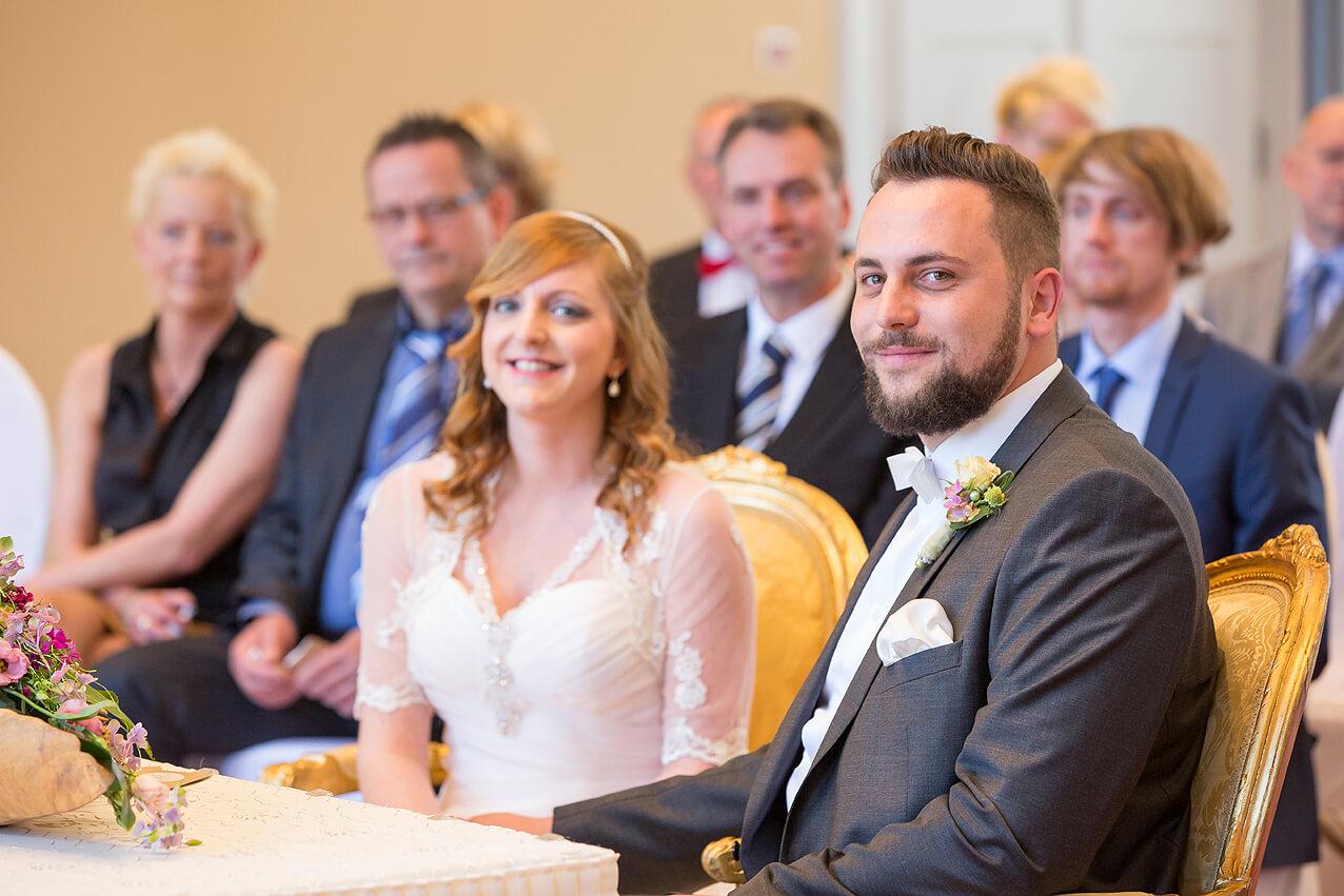 Hochzeitspaar Anni und Christoph im Standesamt