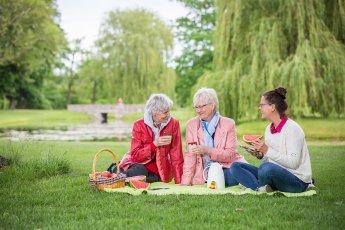 Picknick mit drei Damen – Best Ager