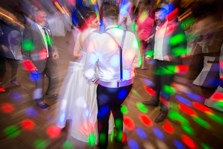Dancefloor bei Hochzeitsfeier im Westerhof