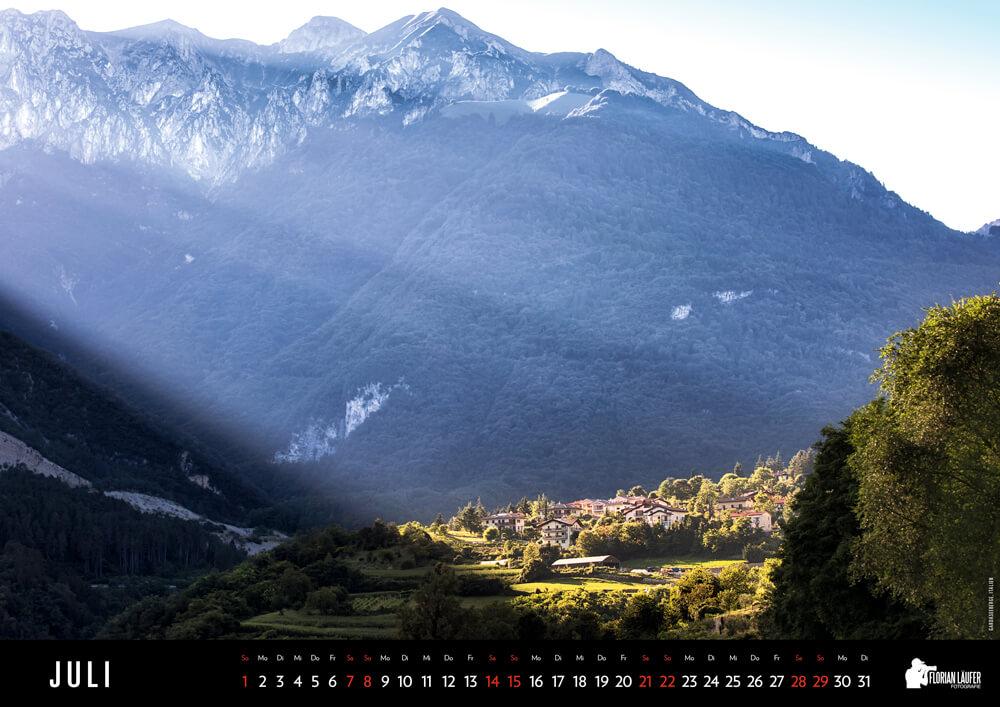 Kleines Dorf in den bergen am Gardasee