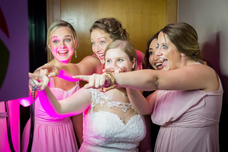 Photobooth mit Braut und ihren Mädels