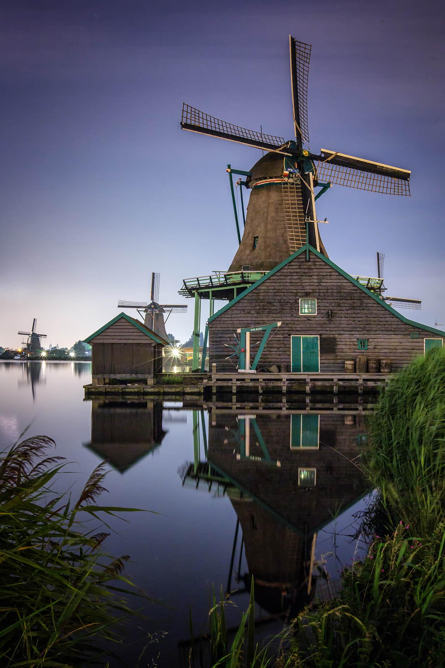 Nachtaufnahme Windmühlen in Holland
