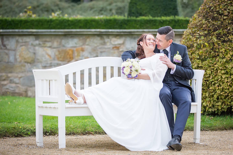 Im Schlosspark Blankenburg entstanden viele Hochzeitsfotos wie dieses