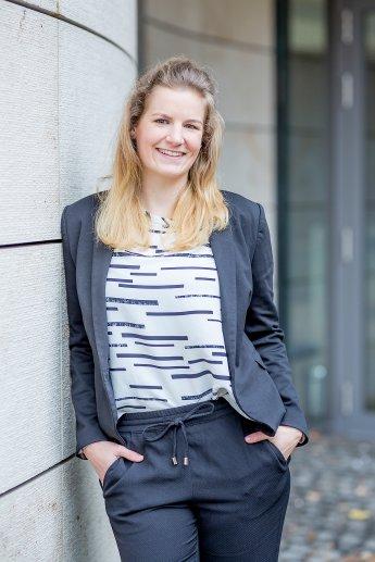Business-Portrait als Bewerbungsfoto einer jungen Dame