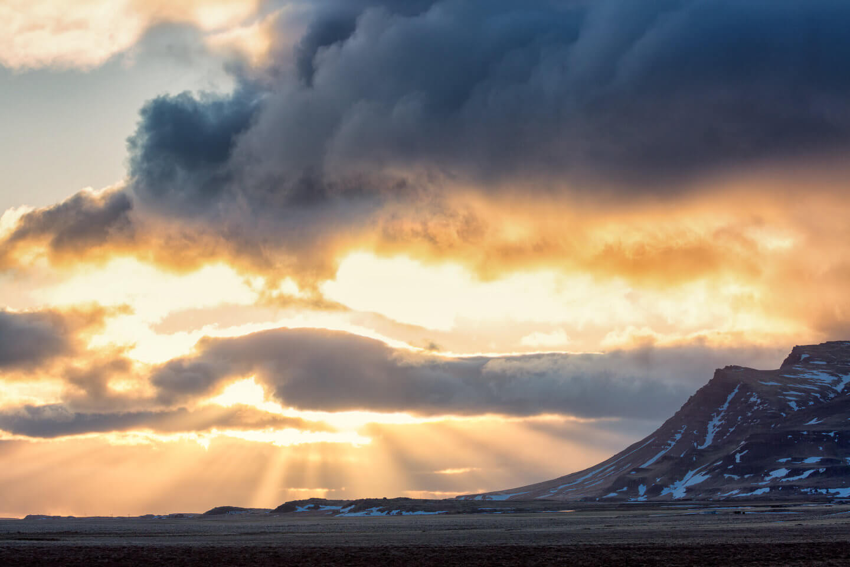 Auf der Fotoreise Island auf den ersten Kilometern entstanden: eine tolle Lichtstimmung