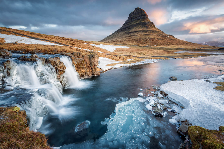 Die unteren Wasserfälle am Kirkjufell im Winter