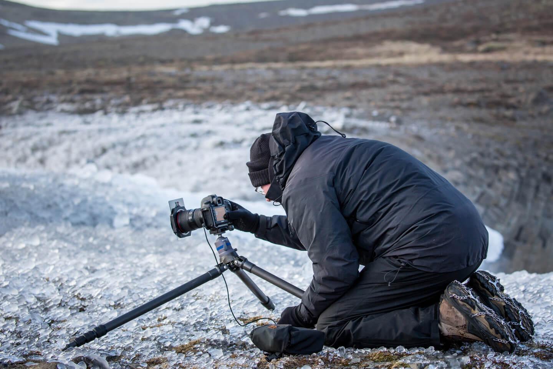 Spikes waren auf dieser Eisfläche beim Fotografieren unverzichtbar