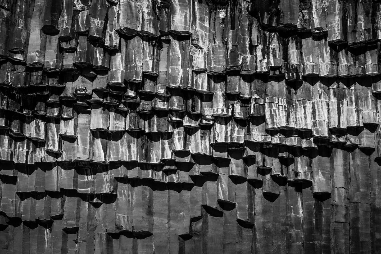 Basaltsäulen am Svartifoss Wasserfall