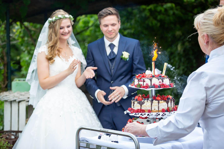 Darfst du als Hochzeitsfotograf nicht verpassen: die Hochzeitstorte