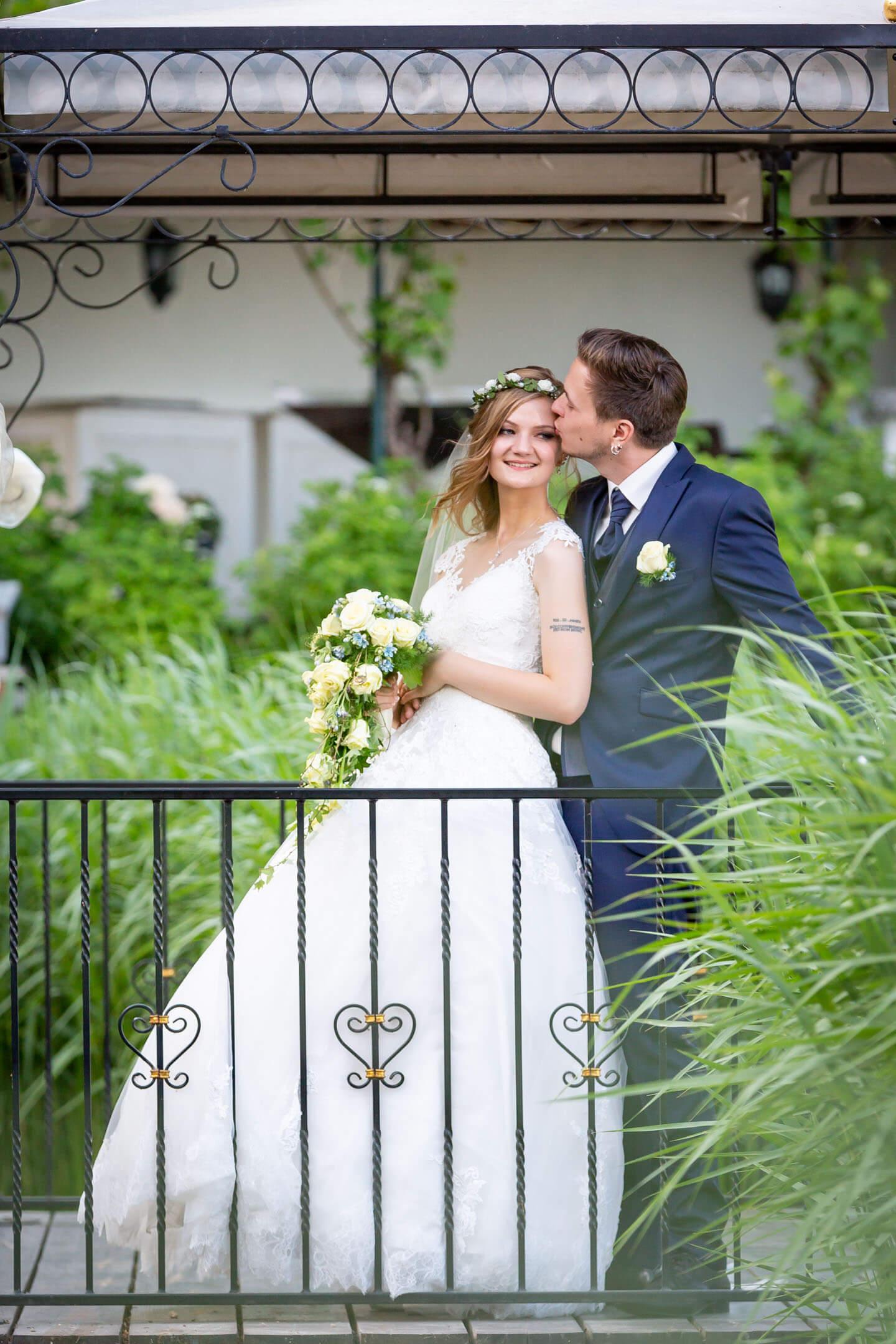Der kleine Pavillon der Alten Ziegelei bietet sich hervorragend für Hochzeitsfotos an