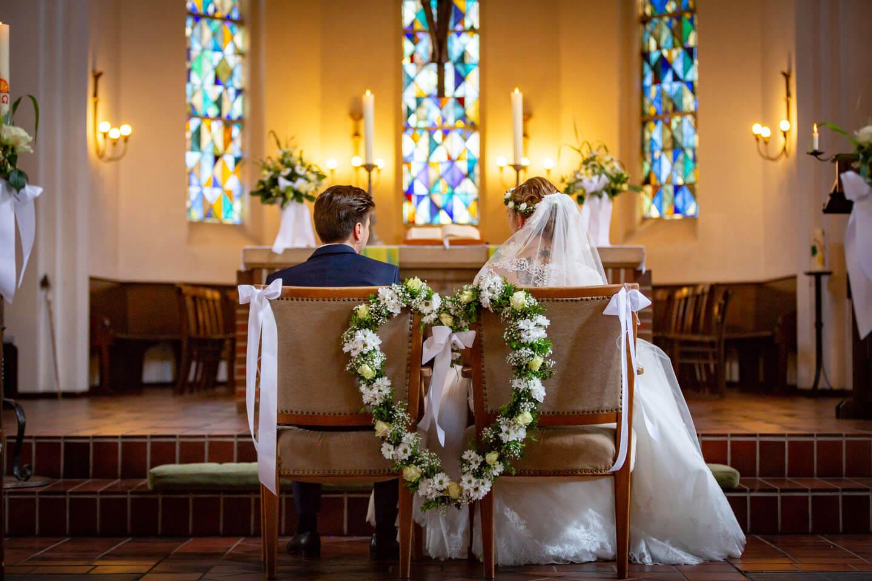 Als Hamburger Hochzeitsfotograf habe ich hier eine kirchliche Trauung in Kaltenkirchen fotografiert.