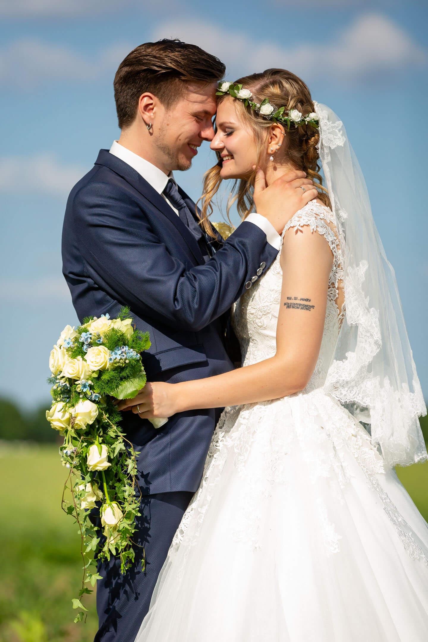 Emotionale Hochzeitsfotos bei der Ziegelei in Raa-Besenbek