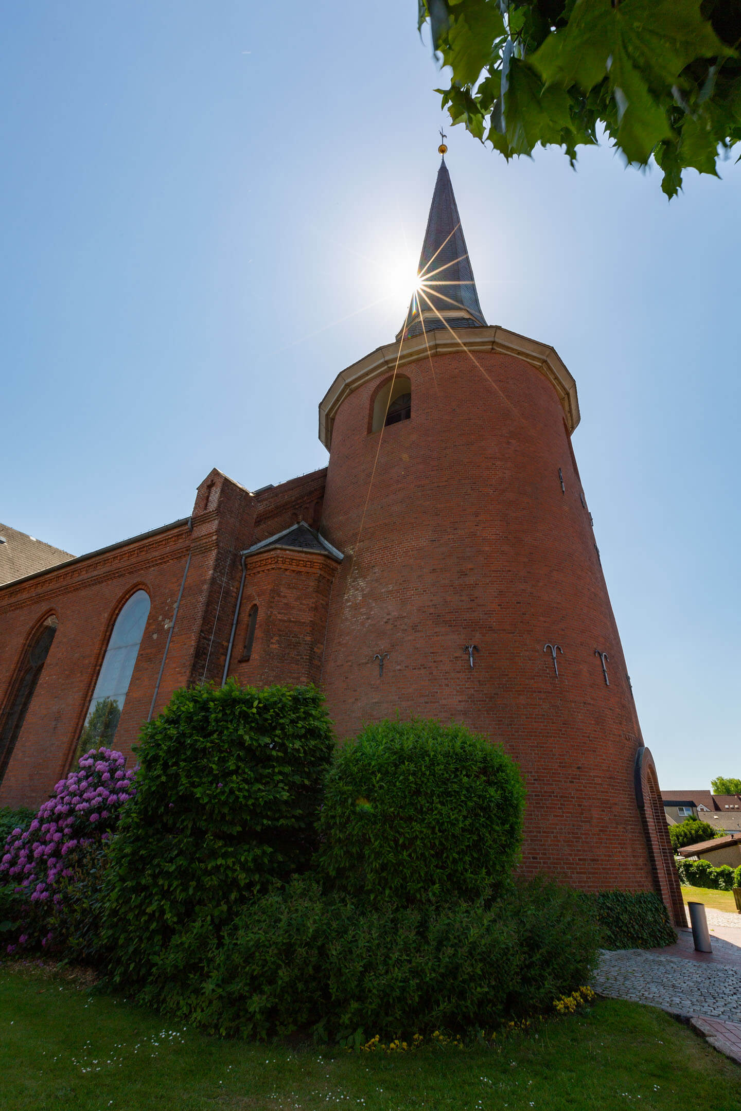 Michaeliskirche Kaltenkirchen mit Sonnenstern