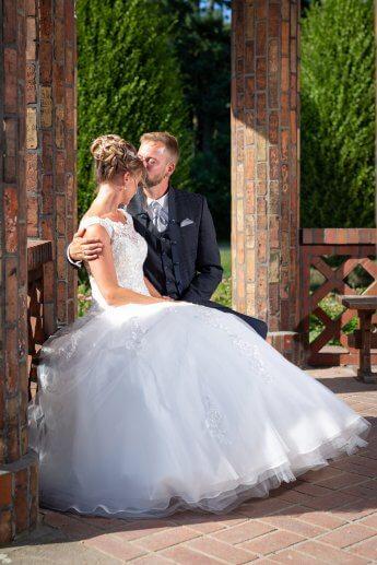 Hochzeitsfotos im Pavillon im Schulgarten vom Altonaer Volkspark