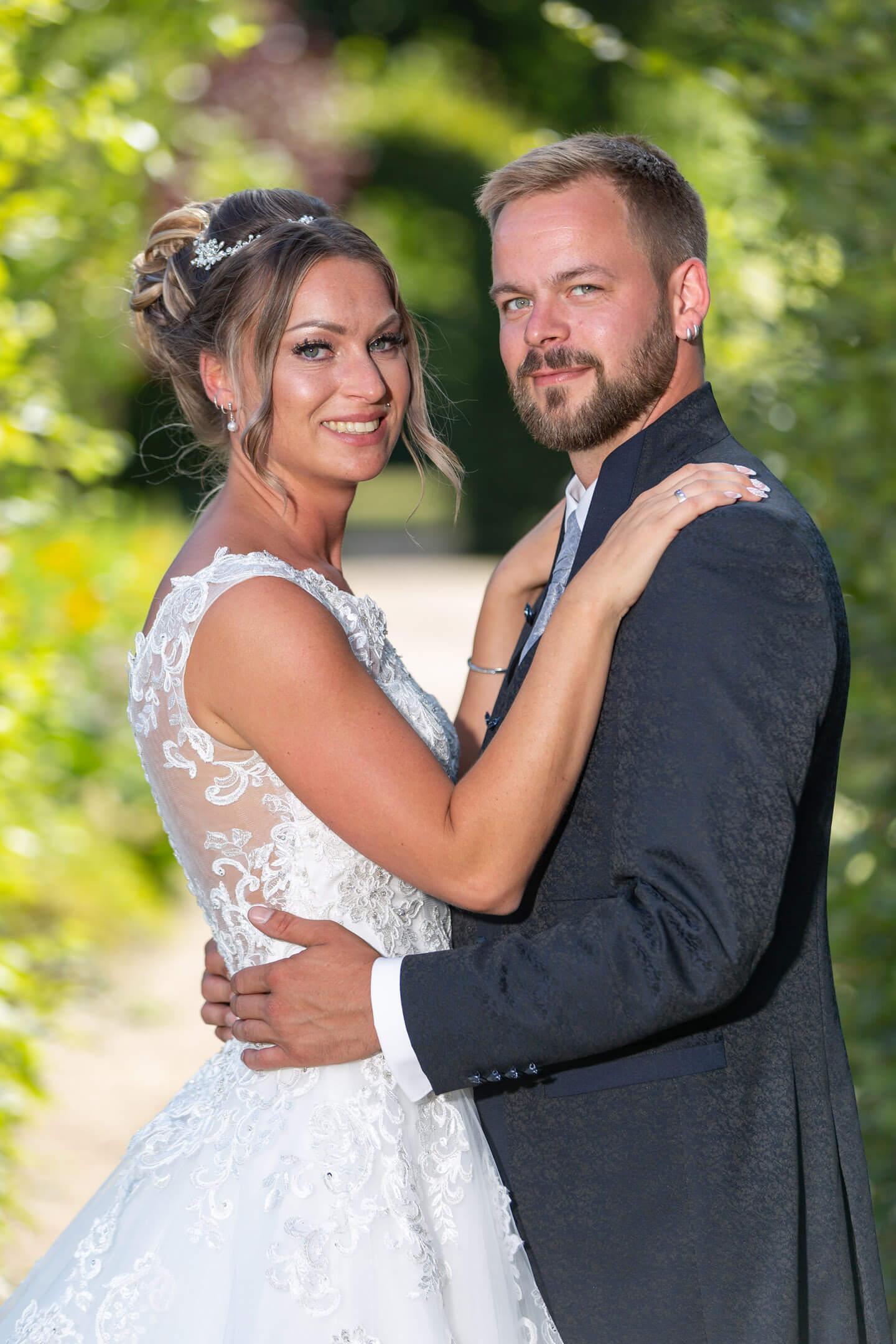 Paarfotos nach der Hochzeit im Altonaer Volkspark