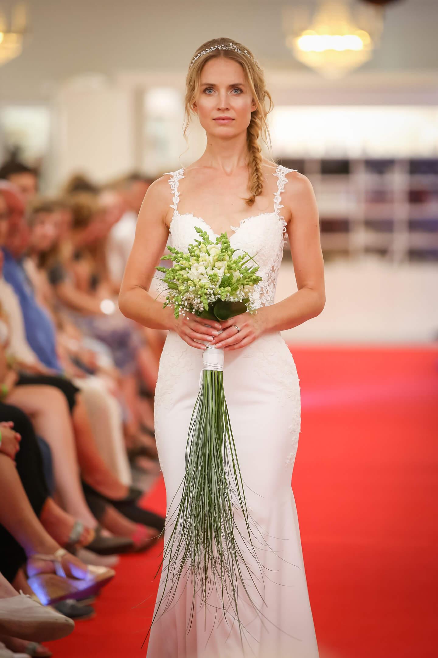 Als Eventfotograf hielt ich die Präsentation von gut 40 Brautkleidern auf dem Catwalk fest