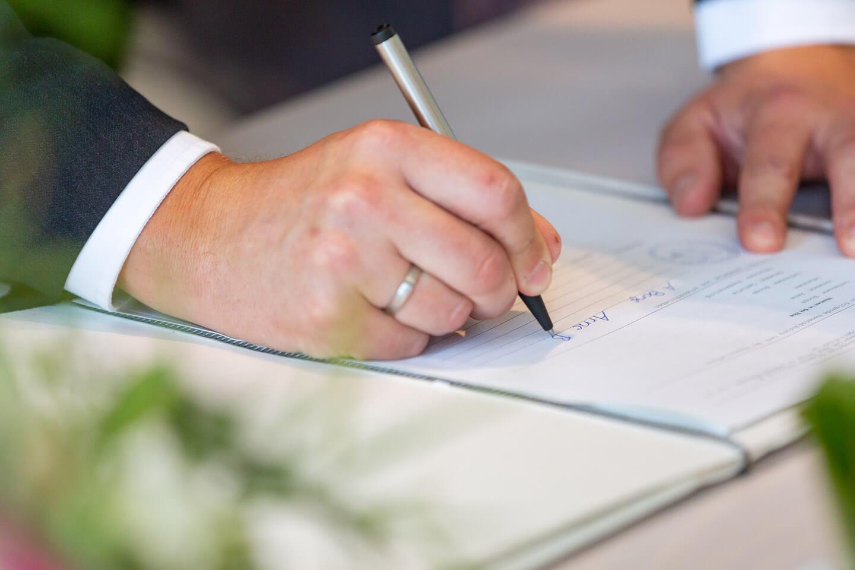 Unterschrift im Standesamt