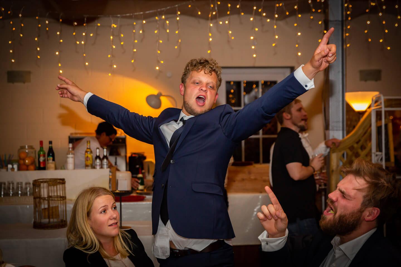 Partystimmung auf Hochzeitsfeier