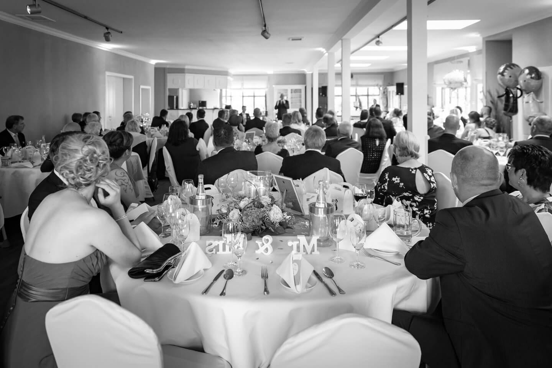Hochzeitsfotografie in schwarzweiss. Hier bei Freier Trauung.