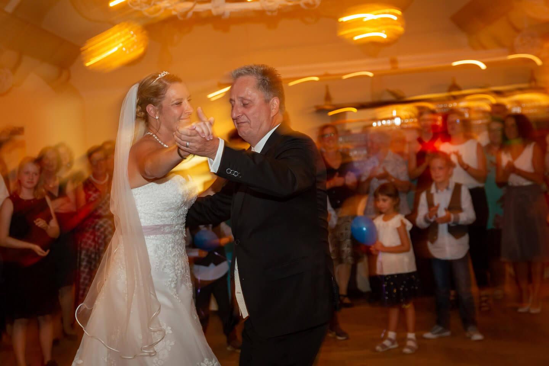 Eröffnungstanz des Brautpaares im Hemdinger Hof