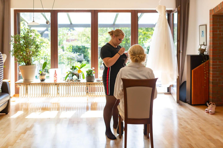 Styling der Braut für ihre Hochzeit