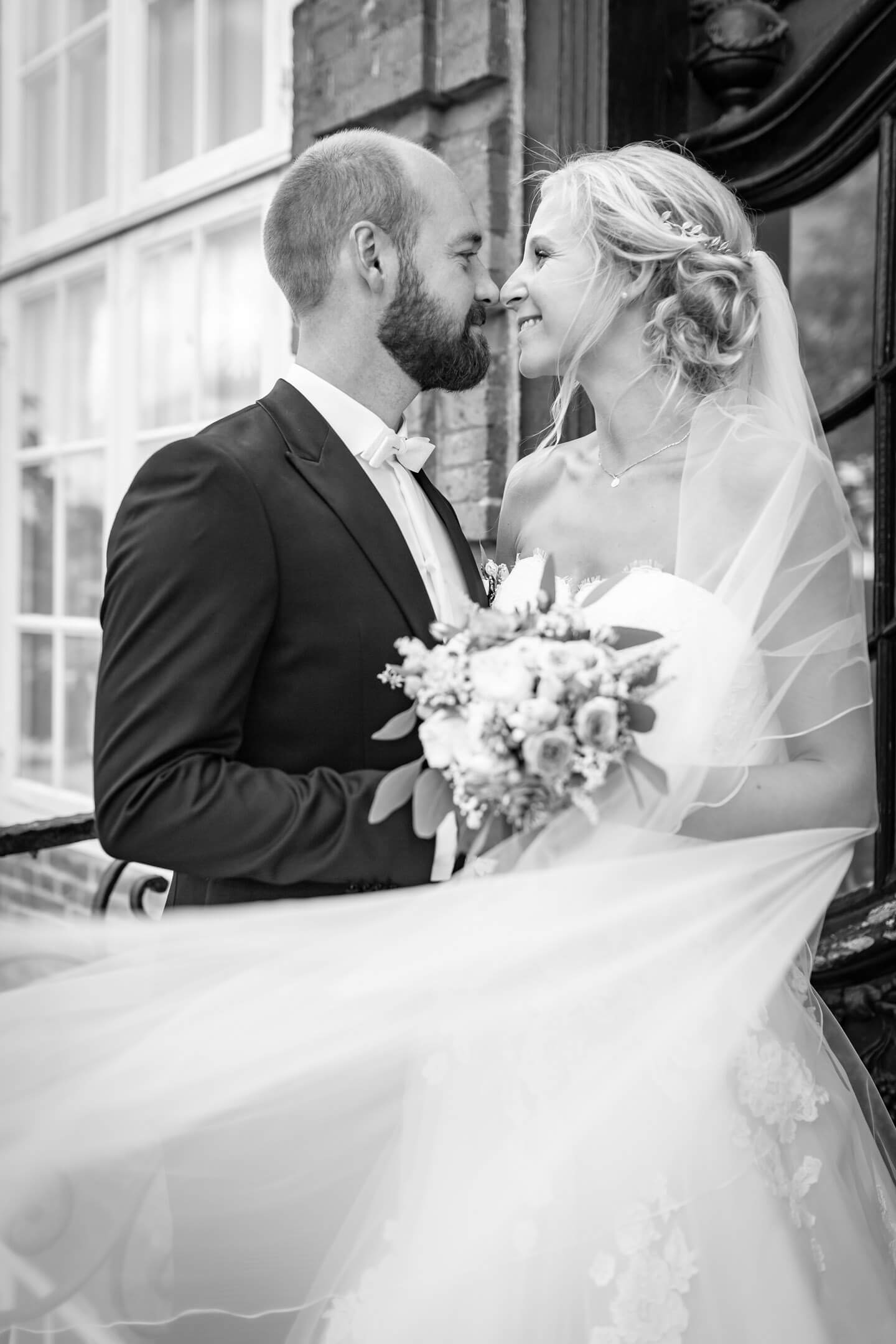 Hochzeitsfotos mit Schleier