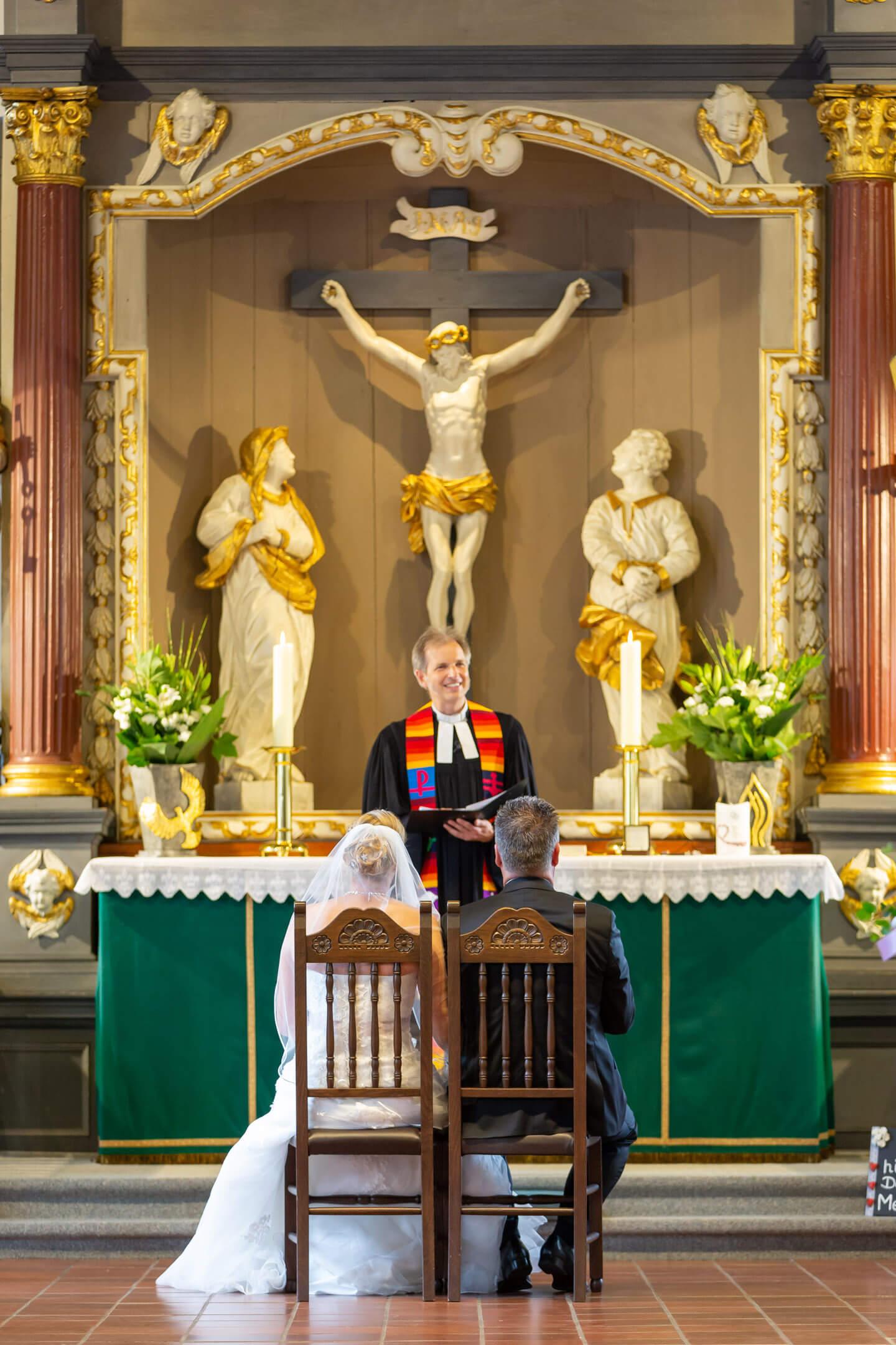 Trauung in der Heiligen-Geist-Kirche in Barmstedt
