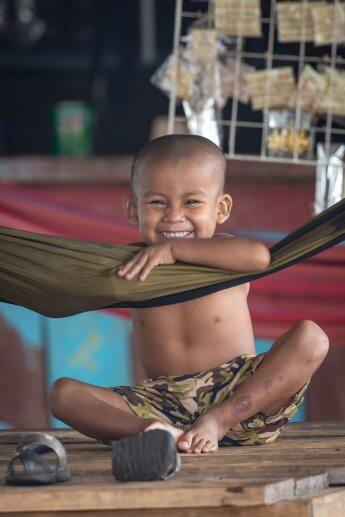 Portrait eines fröhlichen Jungen, entstanden in Guyana