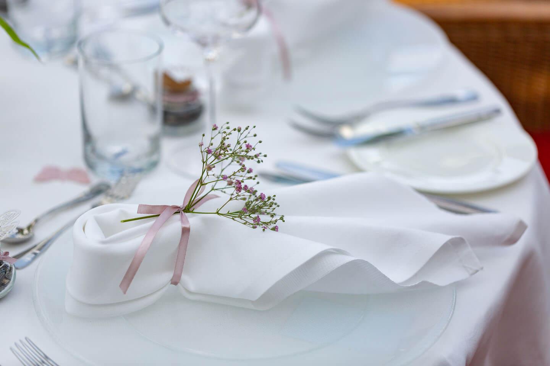 Gedeck der Hochzeitsfeier