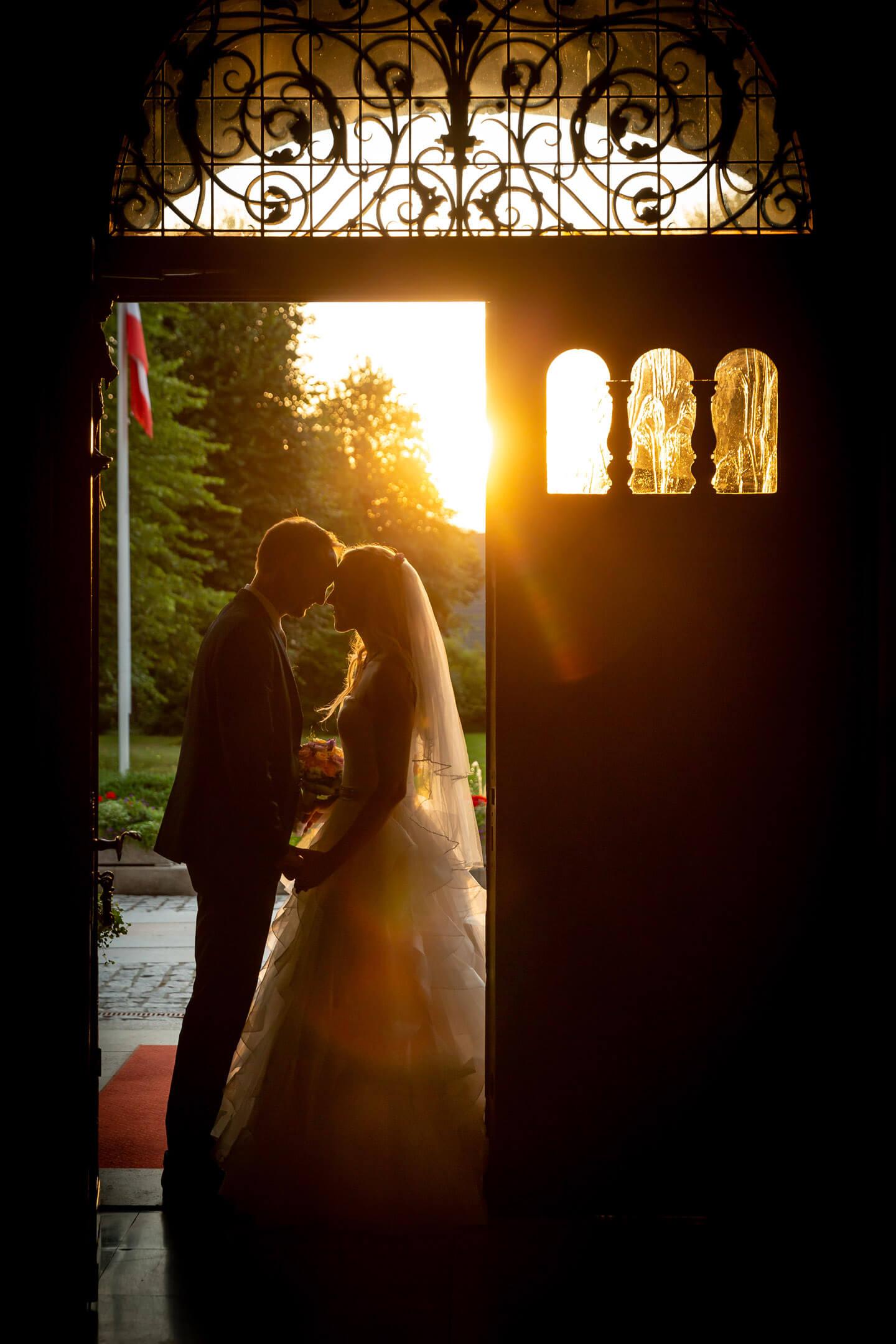 Hochzeit im Schloss Tremsbüttel. Stimmungsvolles Foto von Hochzeitsfotograf Florian Läufer