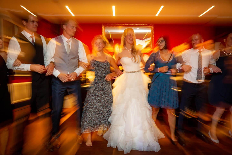 Partystimmung bei Hochzeitsfeier