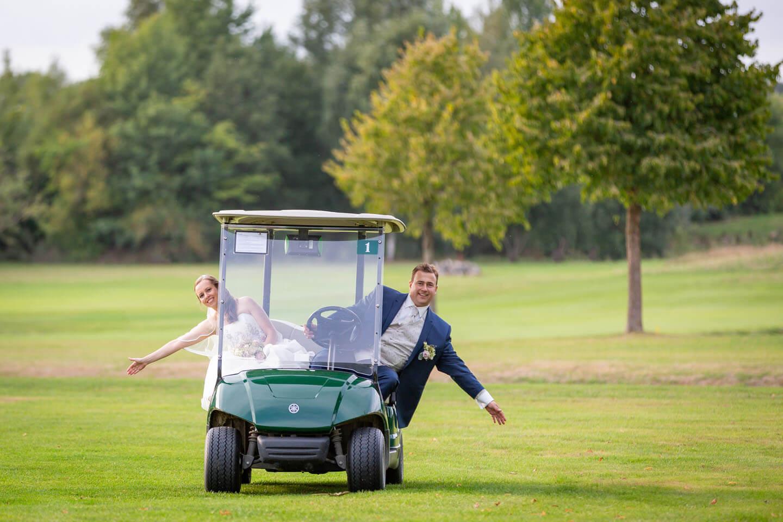 Hochzeitsfotos auf dem Golfplatz in Brunstorf