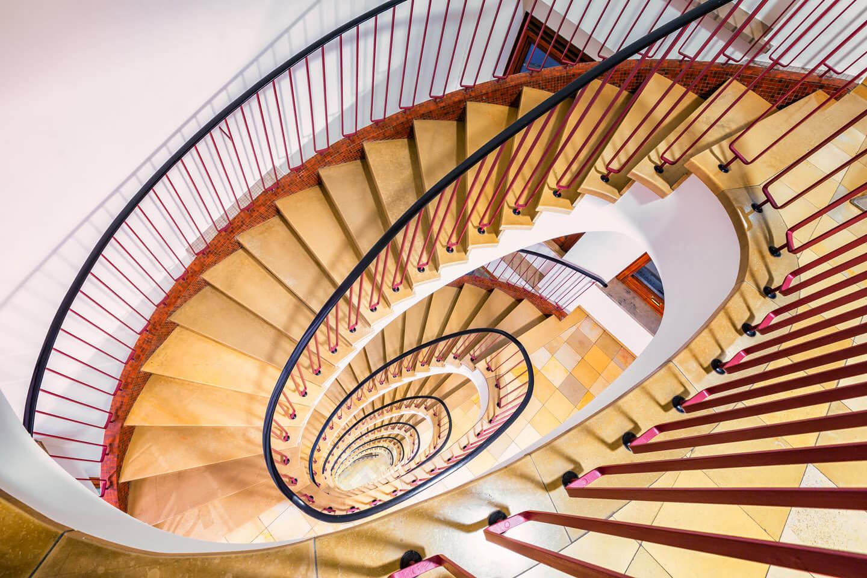 Unscheinbar, hat aber was: das Treppenhaus im Bürohaus Kajen
