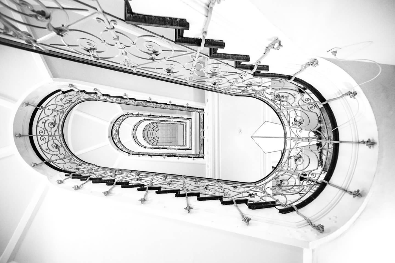 Treppenhaus Laeiszhof, schwarzweiß