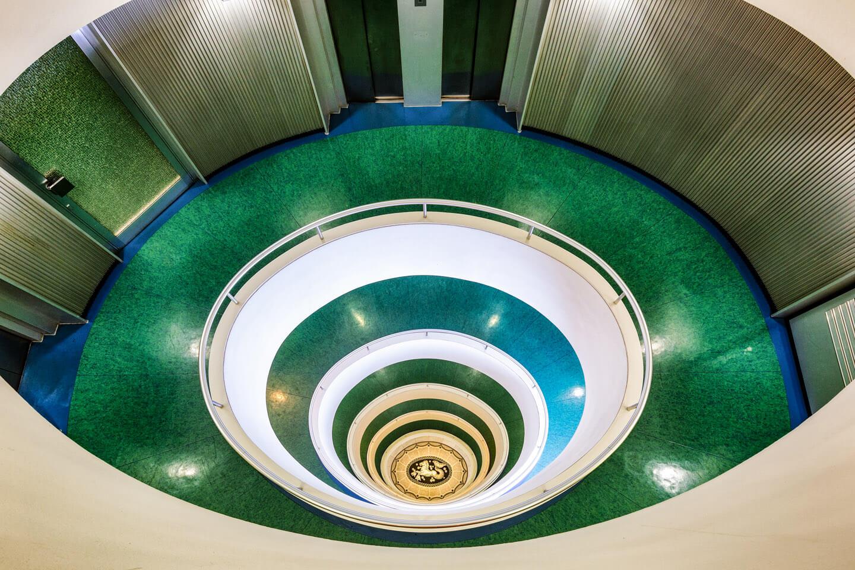 Das Treppenhaus im Versmannhaus wirkt futuristisch