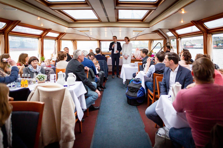 Ansprache zur Hochzeit auf Barkasse im Hamburger Hafen