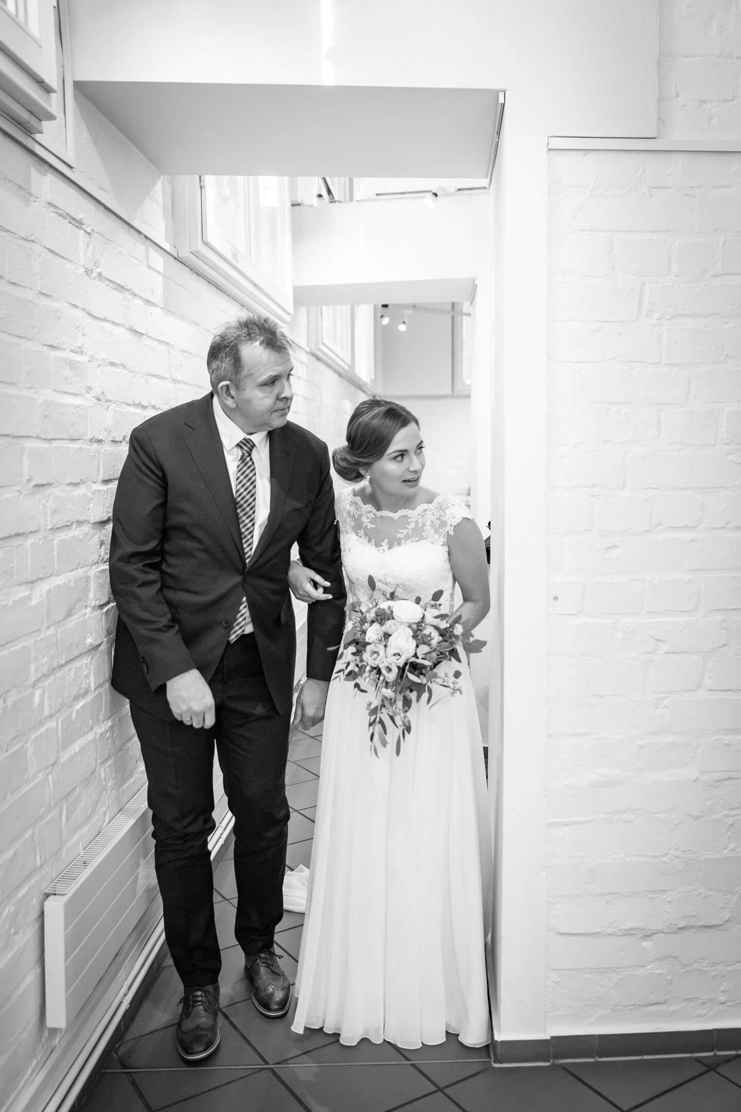 Braut mit Brautvater
