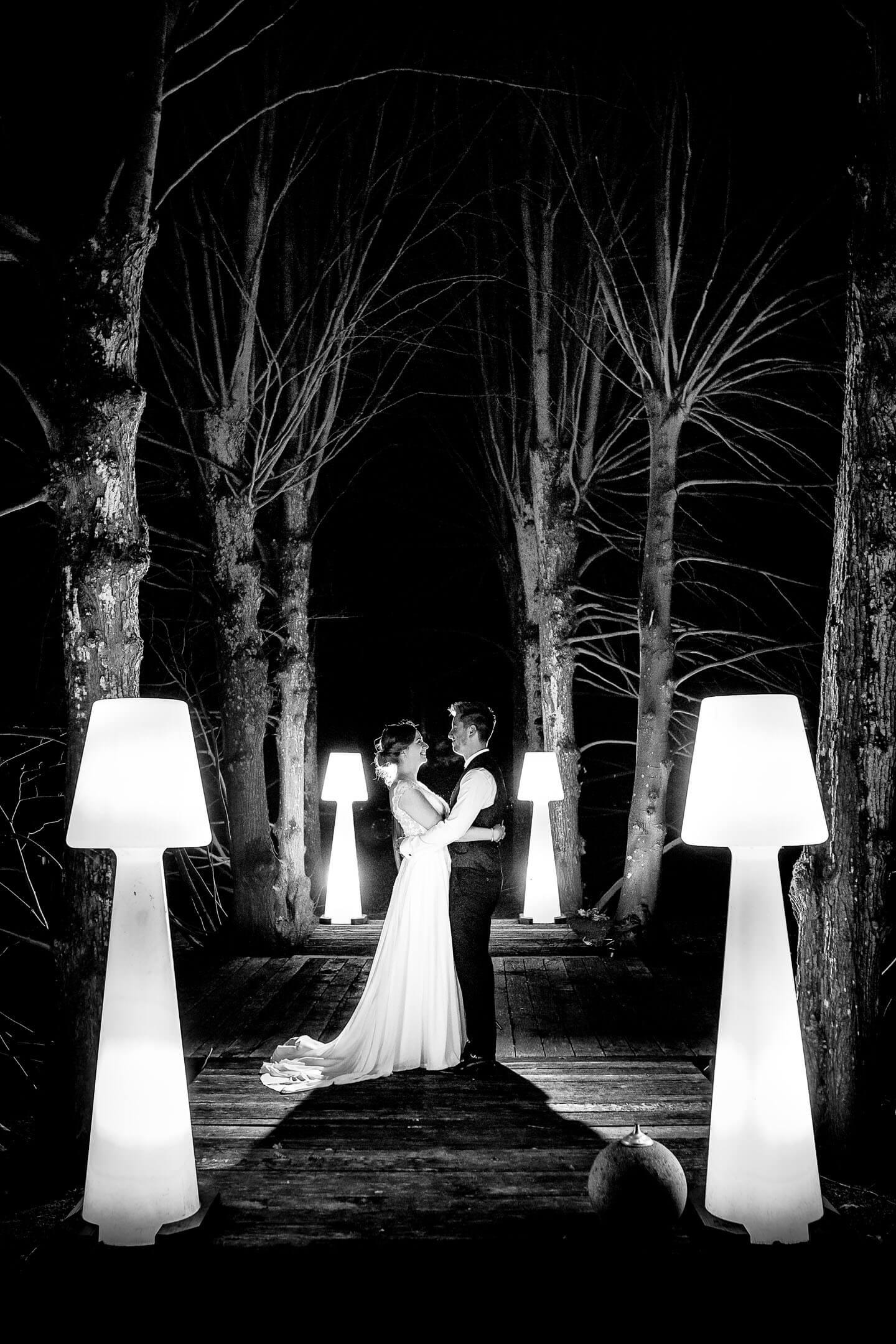 Ausgefallene Hochzeitsfotos bei Nacht von Florian Läufer