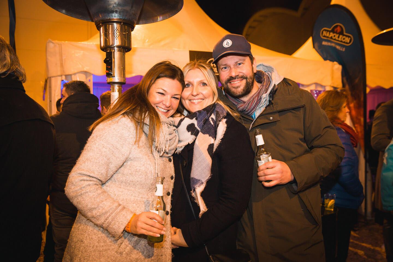 Eventfotografie: Dirk Alberts vom Grill-Kontor Hamburg mit Gästen beim Come Together