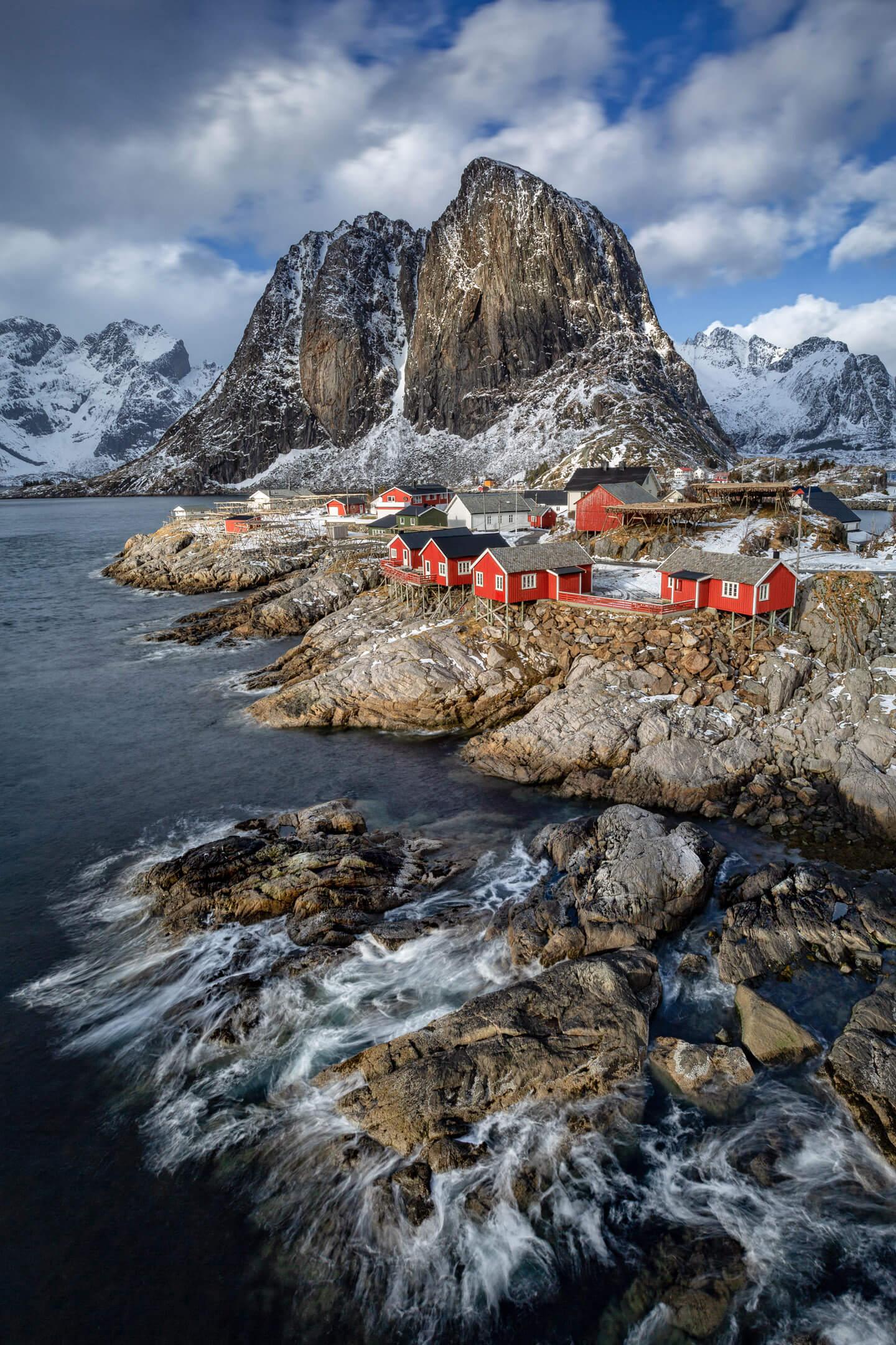 Die roten Fischerhütten von Hamnoy im besten Licht