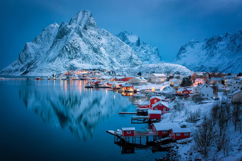Malerischer Ausblick auf das winterliche Reine