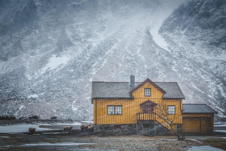 Haus im winterlichen Unstad