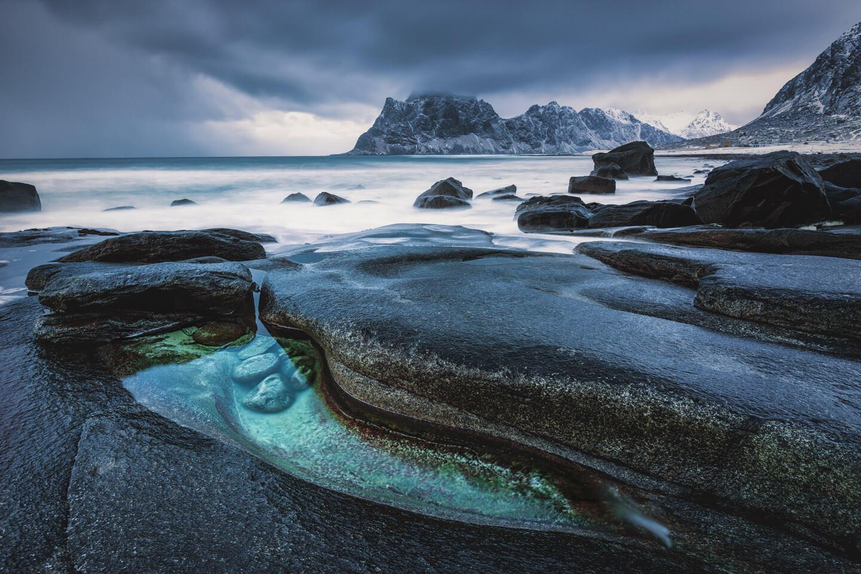 Uttakleiv - ein Küstenabschnitt der Lofoten mit 1001 Möglichkeiten zum Fotografieren